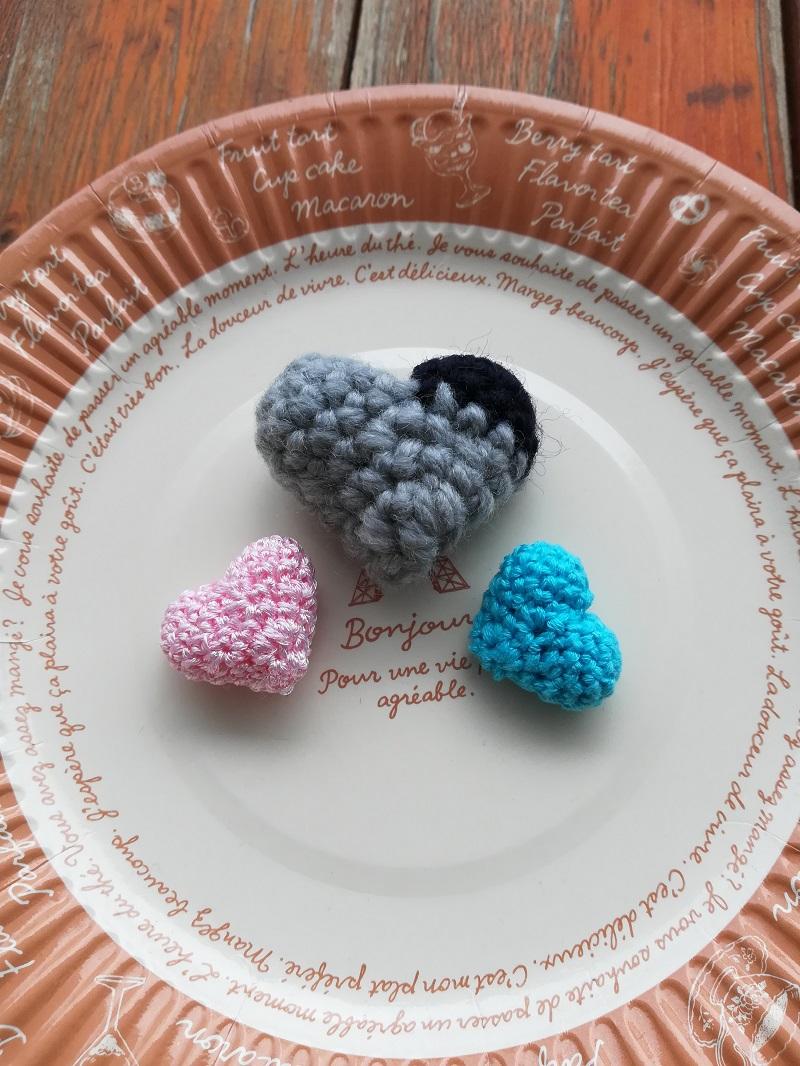 ダイソー刺繍糸パール調カラーで編む「ハートのモチーフ」の作り方