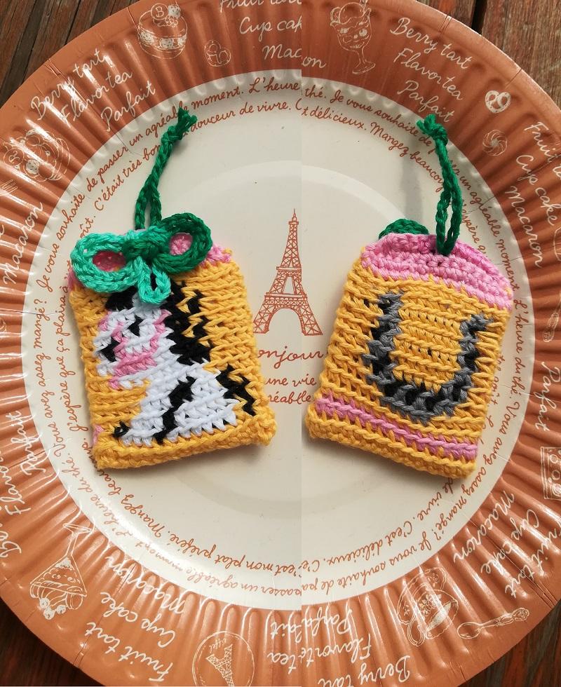 刺繍糸でかぎ針編み「うまと蹄鉄のお守り」の編み方