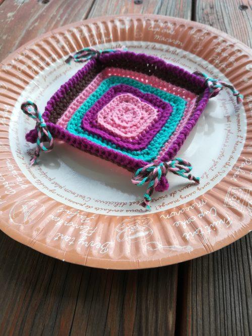 うね編み模様の「2Way小物トレー」の編み方