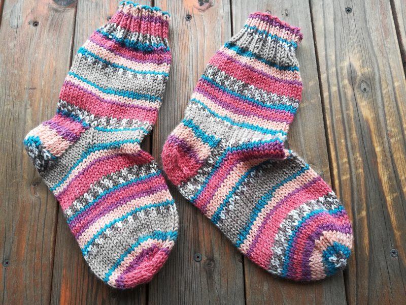 セリア「ミルフィム ソックスヤーン」靴下を編みました