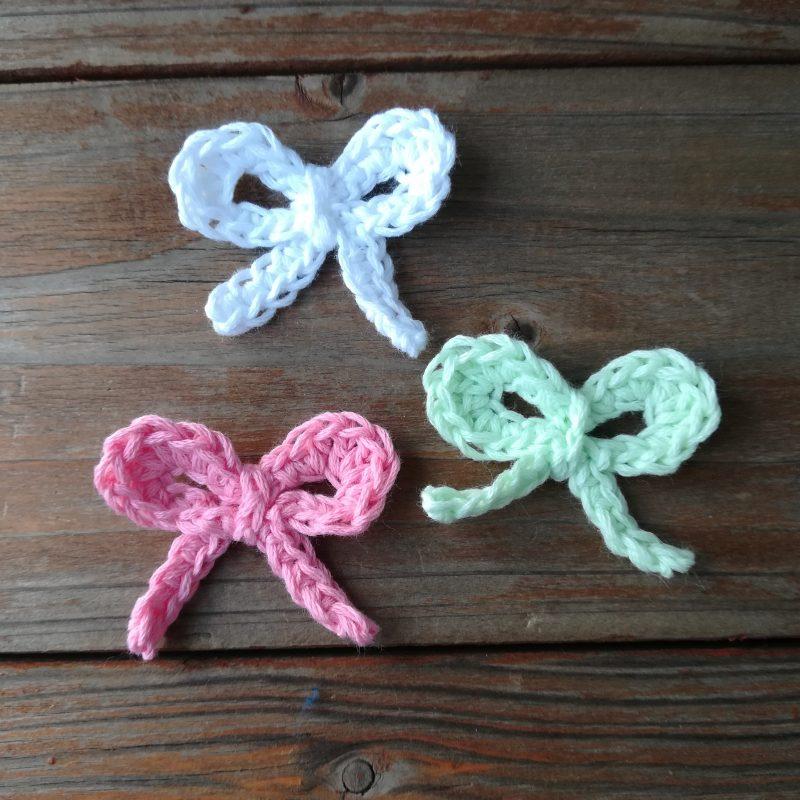 刺繍糸でかぎ針編み「バレンタインデーにも「ミニリボン」」の編み方