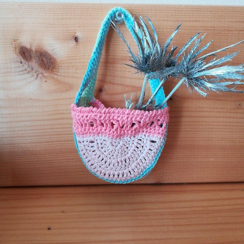 かぎ針編み「ミニ半円バッグ」の編み方