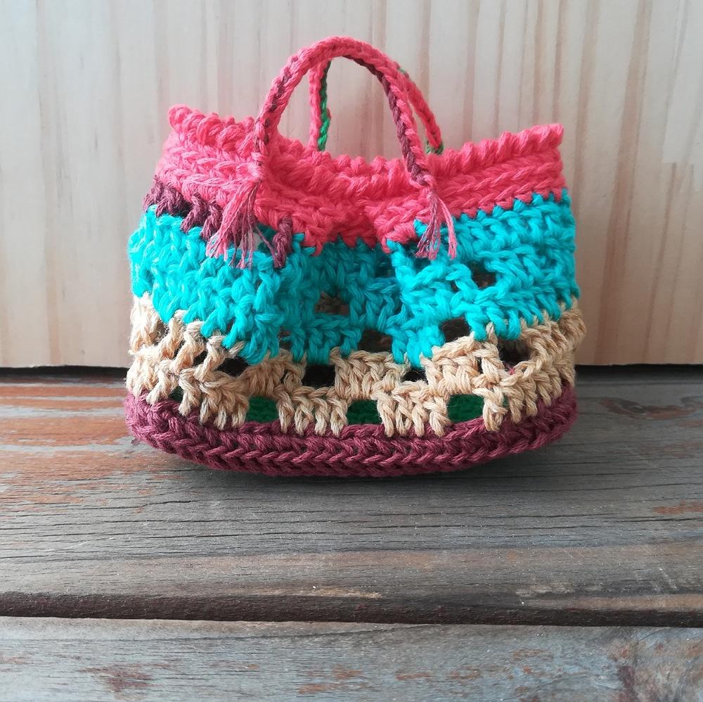 かぎ針編み「方眼編みのミニバッグ」の編み方