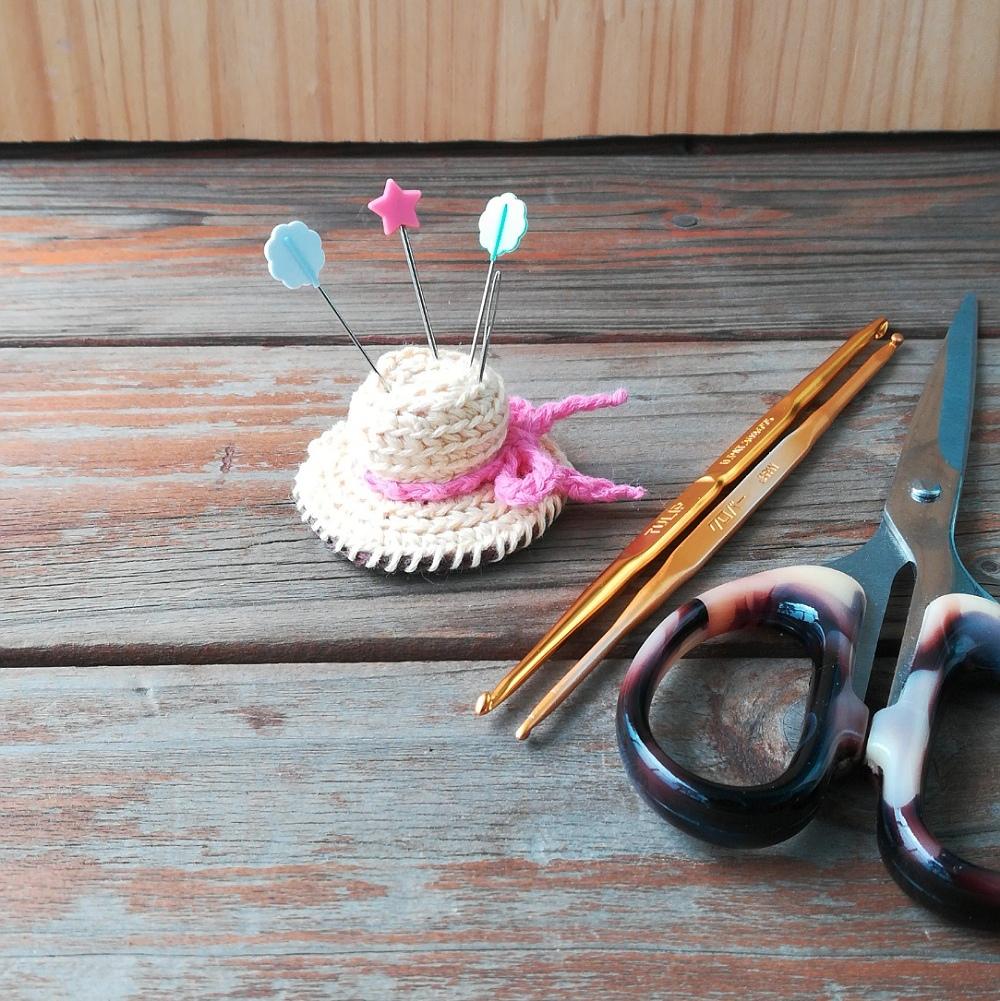 かぎ針編み「帽子型のピンクッション」の編み方